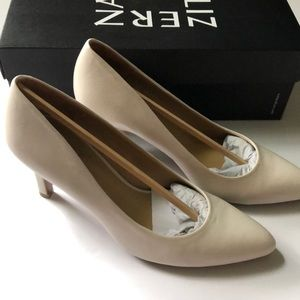 Naturalizer Ivory 3 inch heels- size 6.5